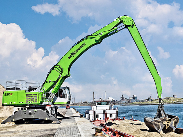 The Different Types of Cranes