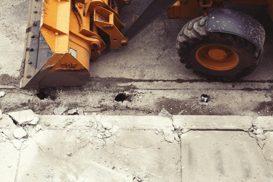 5 Ways Heavy Equipment Can Make Your Workload Easier