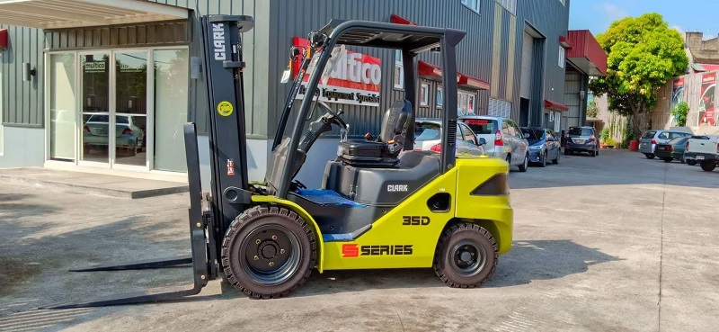 A Brief Discussion on Clark Forklift and the Importance of Having Different Forklift Attachments