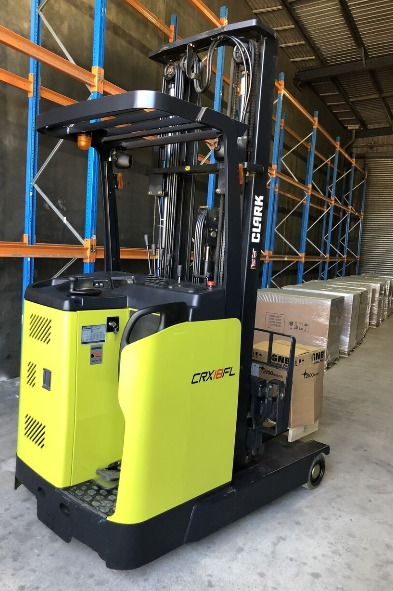 Electric Reach Truck Features