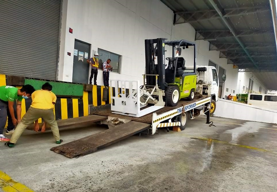 Material Handling Equipment Safety Guide for Clark Forklifts
